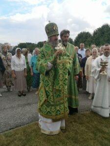 Епископ Маардуский Сергий произносит возглас перед чтением Евангелия
