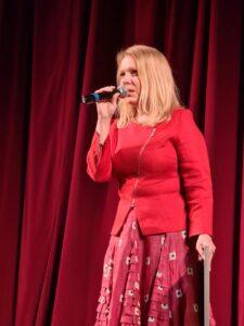 Выступление поэтессы Олеси Балакиревой