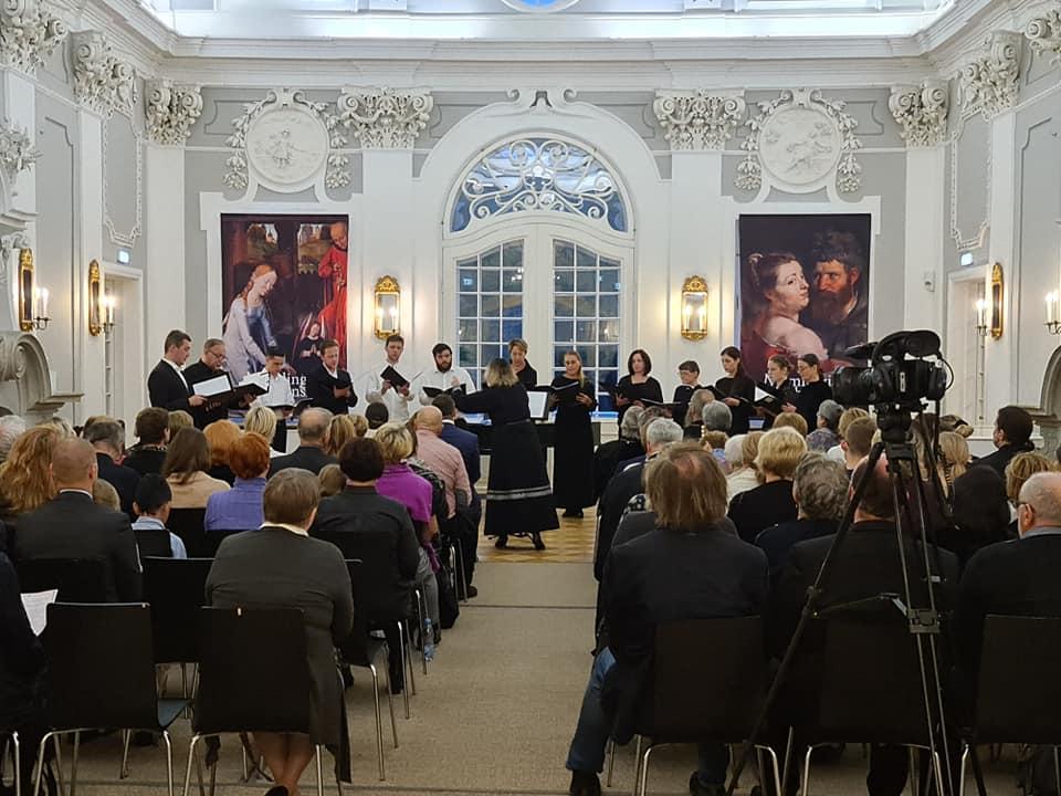 Выступление профессионального хора храма Рождества Пресвятой Богородицы (регент Наталья Попова)