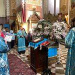 По окончании Литургии был также совершён молебен о сохранении творения Божия (слева — диакон Вячеслав Зарецкий)