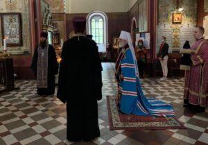 Всенощное бдение в Александро-Невском кафедральном соборе накануне праздника. Встреча архиерея