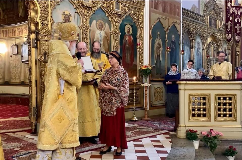 Митрополит Евгений (в центре) возглавил позднюю Божественную литургию (справа - протоиерей Иувеналий Каарма, за кафедрой - диакон Сергий Плясунов)