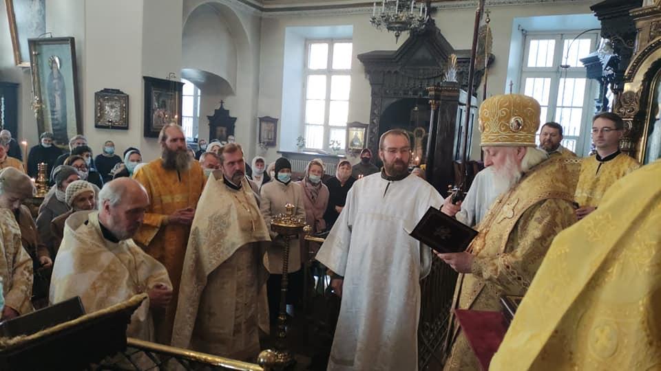 Вручение ордена Даниила Московского III степени настоятелю Никольского храма протоиерею Олегу Вроне