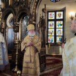 Настоятель Никольской церкви протоиерей Олег Врона благодарит за награду и поздравление с днём тезоименитства